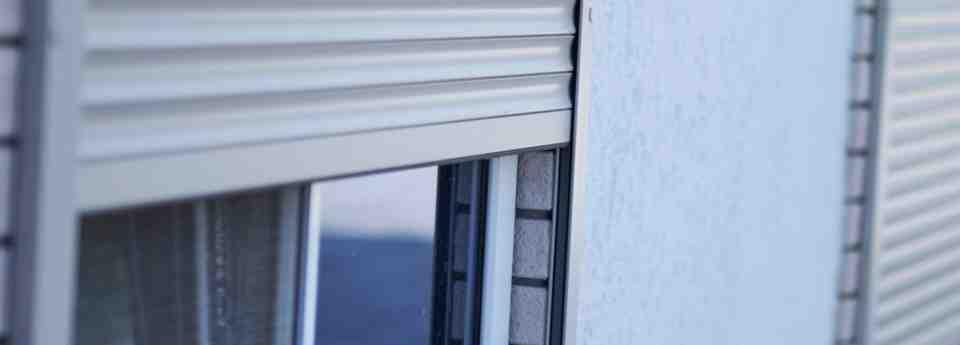 Persianas exterior 960x345 - Persianeros en Valencia Reparación de persianas domésticas en Valencia
