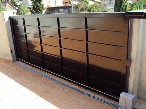 puertas de garage - Instalación y Reparación Puertas de Garaje Correderas Basculantes Enrollables Seccionales Valencia